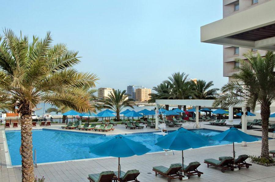 Hilton Ras Al Khaimah Hotel 5 Ras Al Khaimah UAE : Hilton Ras Al Khaimah Hotel 5 oae pool from bookhotelflight.com size 900 x 598 jpeg 153kB