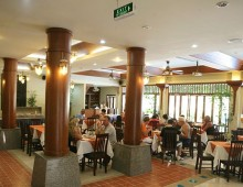 Restaurant in the hotel La Vintage Resort 3* (Patong Beach, Phuket, Thailand)