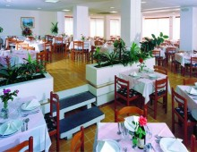Restaurant in the hotel Rhodos Horizon Resort 4* (Rhodes Town, Rhodes, Greece)