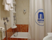 Mantas Hotel 3* (Loutraki, Peloponnese, Greece)