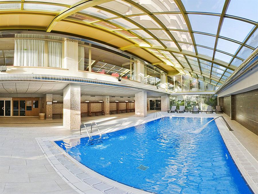 Florida park santa susanna 4 costa del maresme spain for Florida pool show 2015