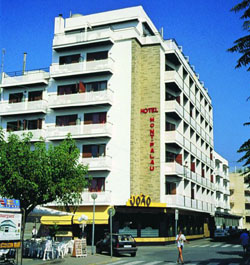 Hotel Checkin Montpalau 3* (Pineda de Mar, Costa del Maresme, Spain)