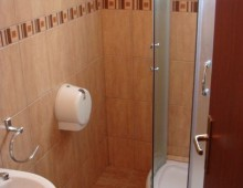 Bathroom in the room in the hotel Apartments Azzuro 4* (Budva, Montenegro)