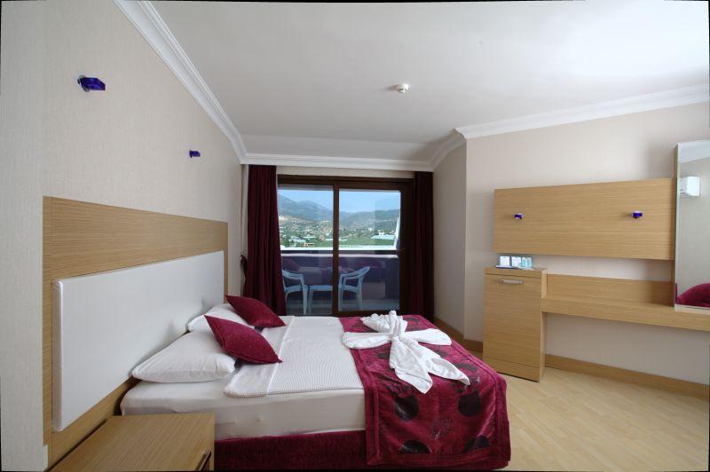 Drita Hotel Family Room