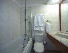 Bathroom in the room in Sunbay Park Hotel 4* (Marmaris, Turkey)