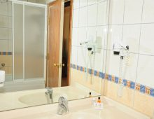 Bathroom in Side Yesiloz Hotel 4* (Side, Turkey)