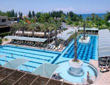 Pool in the hotel Crystal De Luxe Resort & Spa 5* (Kemer, Turkey)